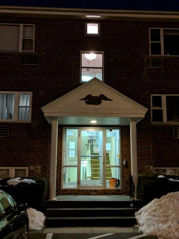 1077 Chestnut St #4, Newton, MA 02464 (MLS #72479062) :: Charlesgate Realty Group