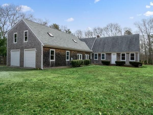 346 Club Valley Rd, Falmouth, MA 02536 (MLS #72479596) :: Primary National Residential Brokerage