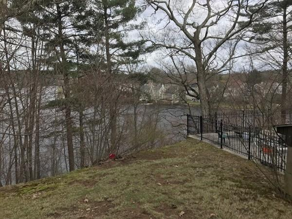 26 Morses Pond Rd, Wellesley, MA 02482 (MLS #72485017) :: The Gillach Group