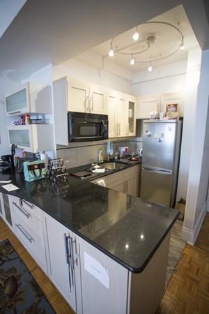 21 Beacon Street 5T, Boston, MA 02114 (MLS #72487824) :: AdoEma Realty