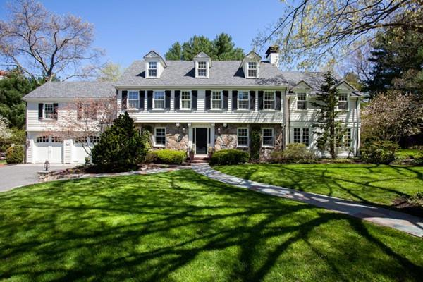 15 Woodcliff Rd, Wellesley, MA 02481 (MLS #72491927) :: Exit Realty