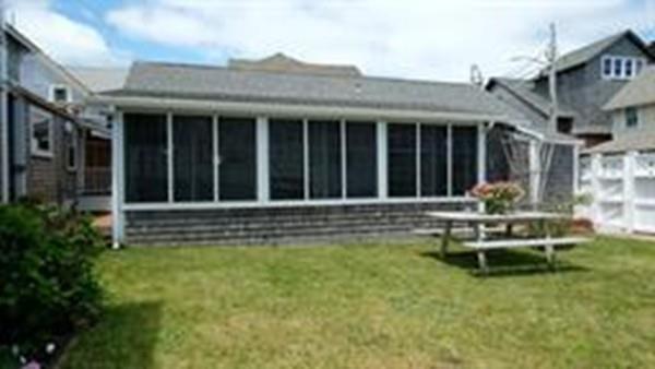41 Ocean Ave, Oak Bluffs, MA 02557 (MLS #72496503) :: Apple Country Team of Keller Williams Realty