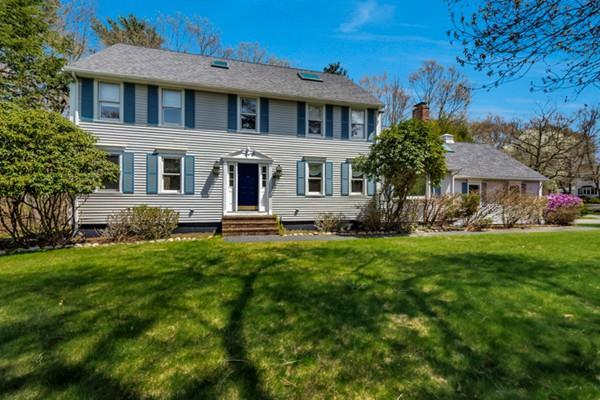 3 Squantum Ave, Easton, MA 02356 (MLS #72498434) :: Apple Country Team of Keller Williams Realty