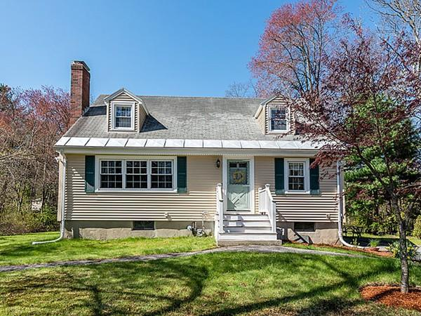 18 Maud Graham Circle, Burlington, MA 01803 (MLS #72500990) :: Apple Country Team of Keller Williams Realty