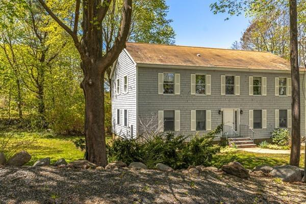 3 Clement  Street #2, Rockport, MA 01966 (MLS #72500999) :: Apple Country Team of Keller Williams Realty