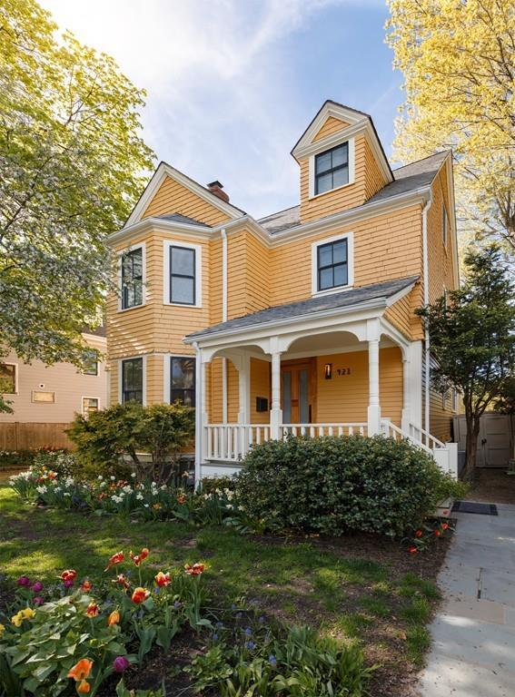 421 Huron Avenue, Cambridge, MA 02138 (MLS #72501173) :: Apple Country Team of Keller Williams Realty