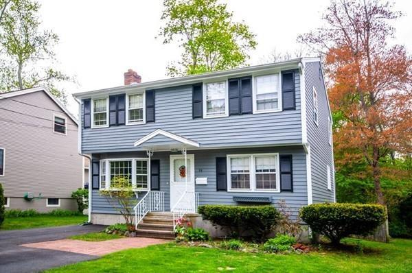22 Webb St, Lexington, MA 02420 (MLS #72501288) :: Apple Country Team of Keller Williams Realty