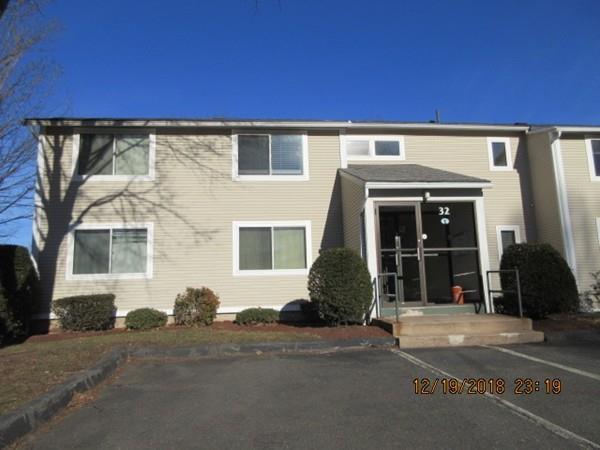 32 St. Kolbe Drive 32B, Holyoke, MA 01040 (MLS #72502971) :: Apple Country Team of Keller Williams Realty