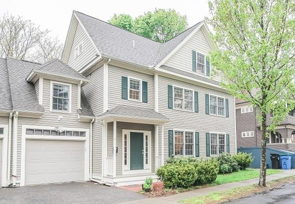 4 Warwick Rd #4, Belmont, MA 02478 (MLS #72503084) :: Apple Country Team of Keller Williams Realty
