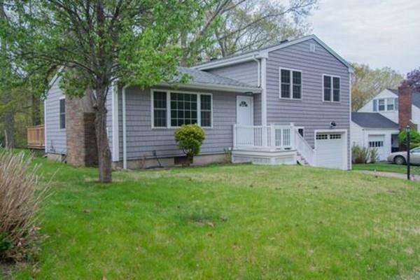 20 Macarthur St, Dartmouth, MA 02747 (MLS #72503882) :: The Muncey Group