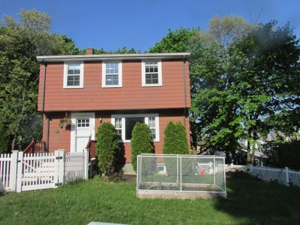 34 Clinton Ave., Saugus, MA 01906 (MLS #72503976) :: Kinlin Grover Real Estate