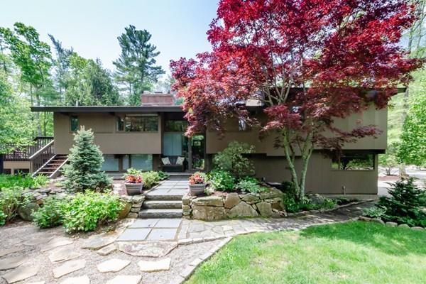 17 Alden Rd, Marion, MA 02738 (MLS #72511718) :: Kinlin Grover Real Estate