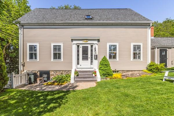 50 Pleasant St, Marblehead, MA 01945 (MLS #72511915) :: DNA Realty Group
