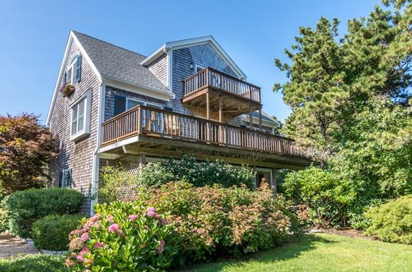 14 Thaxter Lane, Edgartown, MA 02539 (MLS #72517211) :: Spectrum Real Estate Consultants