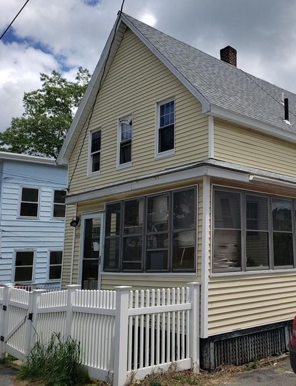 464 Rollstone St, Fitchburg, MA 01420 (MLS #72519477) :: Kinlin Grover Real Estate