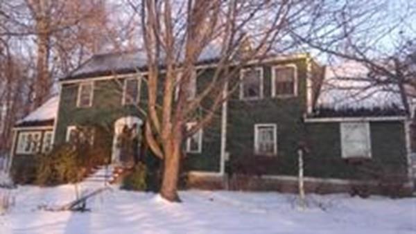 8 Hillside Ave, Clinton, MA 01510 (MLS #72521002) :: Westcott Properties