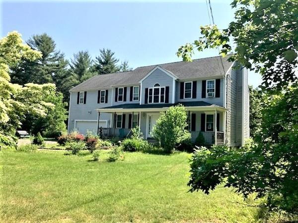 48 Pine Street, Middleboro, MA 02346 (MLS #72524158) :: Kinlin Grover Real Estate