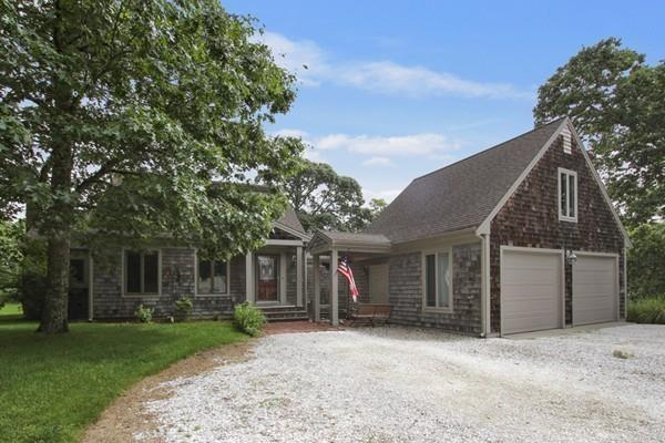10 Hummock Lane, Yarmouth, MA 02675 (MLS #72527492) :: Kinlin Grover Real Estate