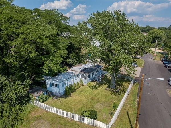 132 Shore Road, East Providence, RI 02915 (MLS #72529278) :: DNA Realty Group