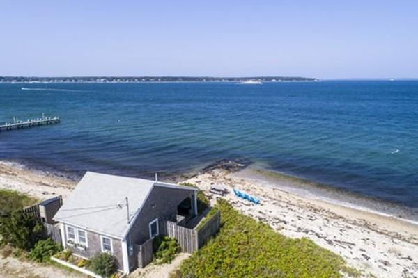 331 East Chop Dr, Oak Bluffs, MA 02557 (MLS #72530359) :: AdoEma Realty