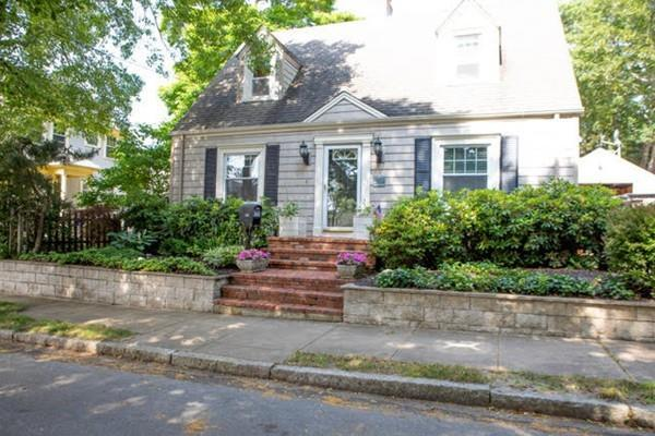 482 Rochester St, Fall River, MA 02720 (MLS #72532225) :: The Russell Realty Group