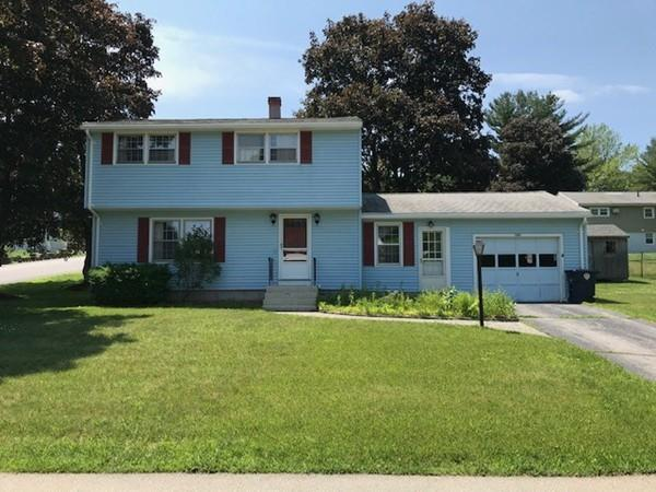 105 Vermont Ave, Nashua, NH 03060 (MLS #72534282) :: Apple Country Team of Keller Williams Realty