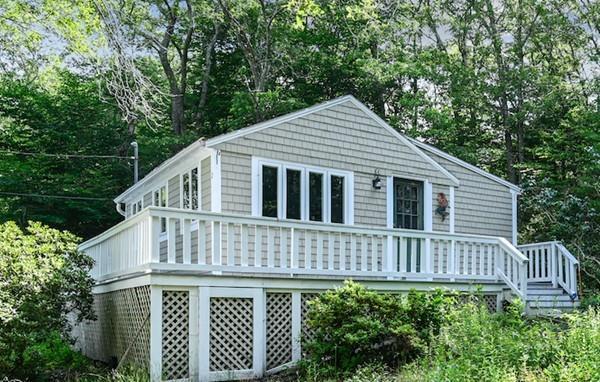 2 John Ewer Rd, Sandwich, MA 02563 (MLS #72534877) :: Kinlin Grover Real Estate