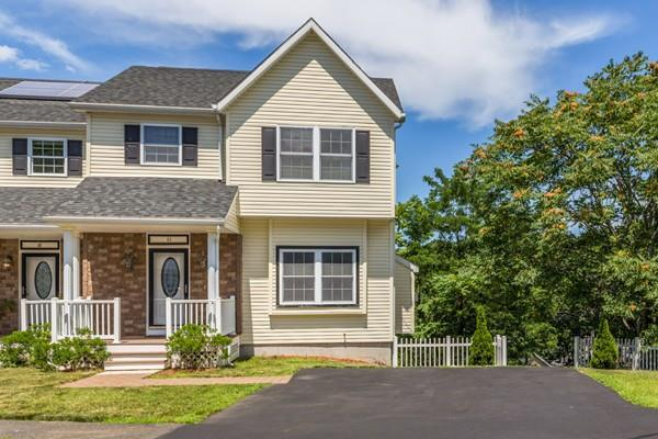 63 Roberts Street Ext #63, Malden, MA 02148 (MLS #72535143) :: DNA Realty Group