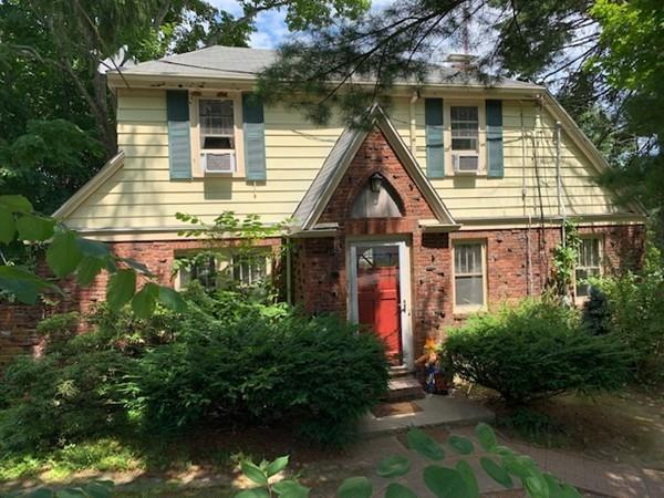 279 Central Avenue, Needham, MA 02494 (MLS #72535221) :: Kinlin Grover Real Estate