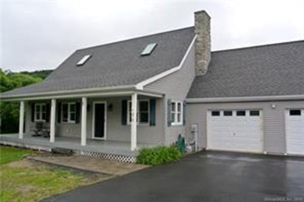 71 Mashamoquet Rd, Pomfret, CT 06259 (MLS #72535580) :: Kinlin Grover Real Estate