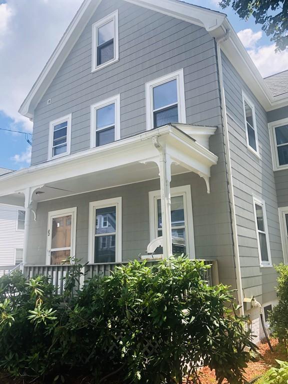 82 Alexander St, Framingham, MA 01702 (MLS #72536036) :: AdoEma Realty