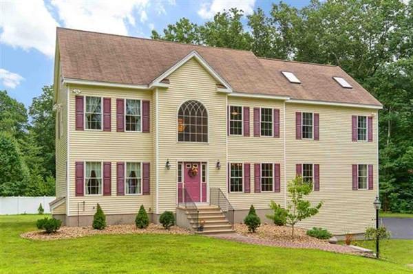 2 White Oak Ln, Derry, NH 03038 (MLS #72536640) :: Westcott Properties