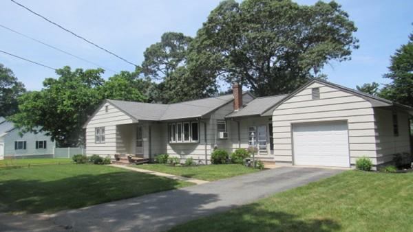 5 Golf Street, Dartmouth, MA 02747 (MLS #72536777) :: Apple Country Team of Keller Williams Realty