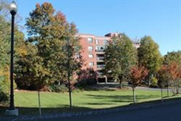 4 Summit Drive #212, Reading, MA 01867 (MLS #72537642) :: The Muncey Group