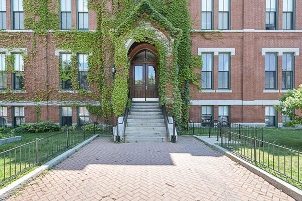 50 Bow St #11, Somerville, MA 02144 (MLS #72538355) :: Westcott Properties