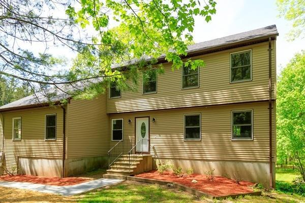 727 Squaw Rock Rd, Plainfield, CT 06354 (MLS #72544141) :: Kinlin Grover Real Estate