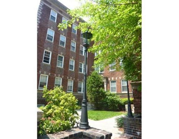 22 Concord Avenue #11, Cambridge, MA 02138 (MLS #72547192) :: AdoEma Realty