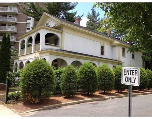 240 Franklin St, Springfield, MA 01104 (MLS #72555979) :: The Russell Realty Group