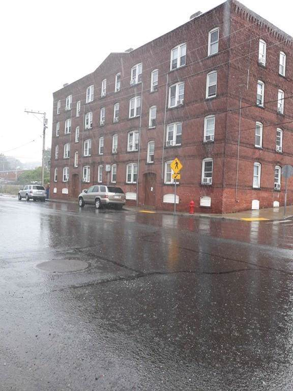 62-64 Commercial Street, Holyoke, MA 01040 (MLS #72557163) :: DNA Realty Group