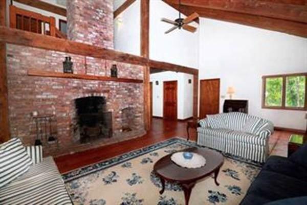 24 Pleasant Street, Sherborn, MA 01770 (MLS #72560923) :: Westcott Properties