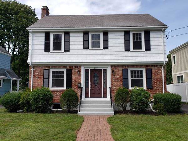 207 Winslow Rd, Newton, MA 02468 (MLS #72563583) :: The Muncey Group