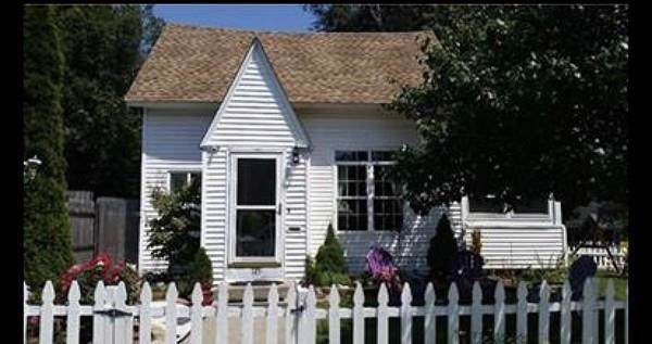 145 Barber, Springfield, MA 01109 (MLS #72565431) :: NRG Real Estate Services, Inc.