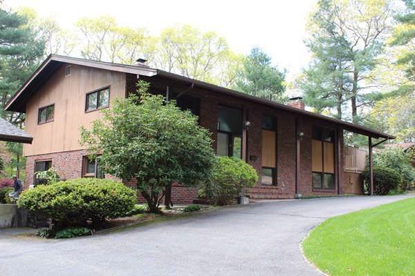 11 Timberhill Lane, Lynnfield, MA 01940 (MLS #72568148) :: Maloney Properties Real Estate Brokerage