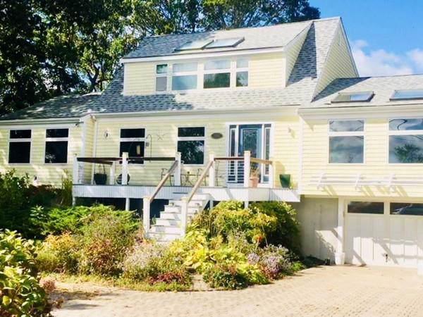 268 Shore Road, Bourne, MA 02532 (MLS #72574583) :: RE/MAX Vantage