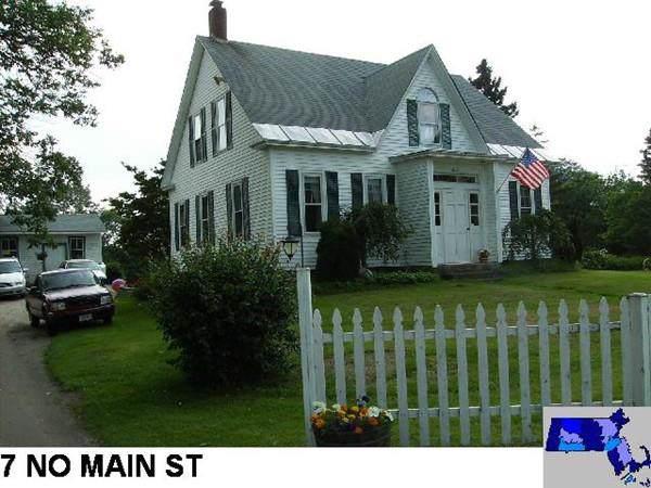 7 N Main St, Berkley, MA 02779 (MLS #72578245) :: revolv