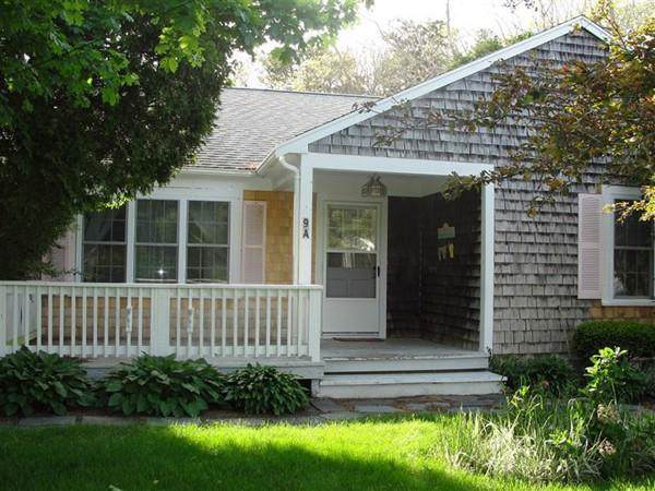 230 Gosnold St 9A, Barnstable, MA 02601 (MLS #72578899) :: Compass