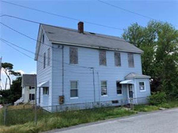 214 Chace Ave, Tiverton, RI 02878 (MLS #72579259) :: Kinlin Grover Real Estate