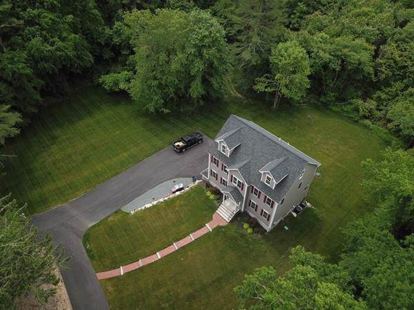 15 South St, Middleboro, MA 02346 (MLS #72579523) :: Kinlin Grover Real Estate
