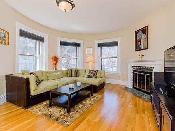 471 Washington St #4, Brookline, MA 02446 (MLS #72580847) :: Vanguard Realty
