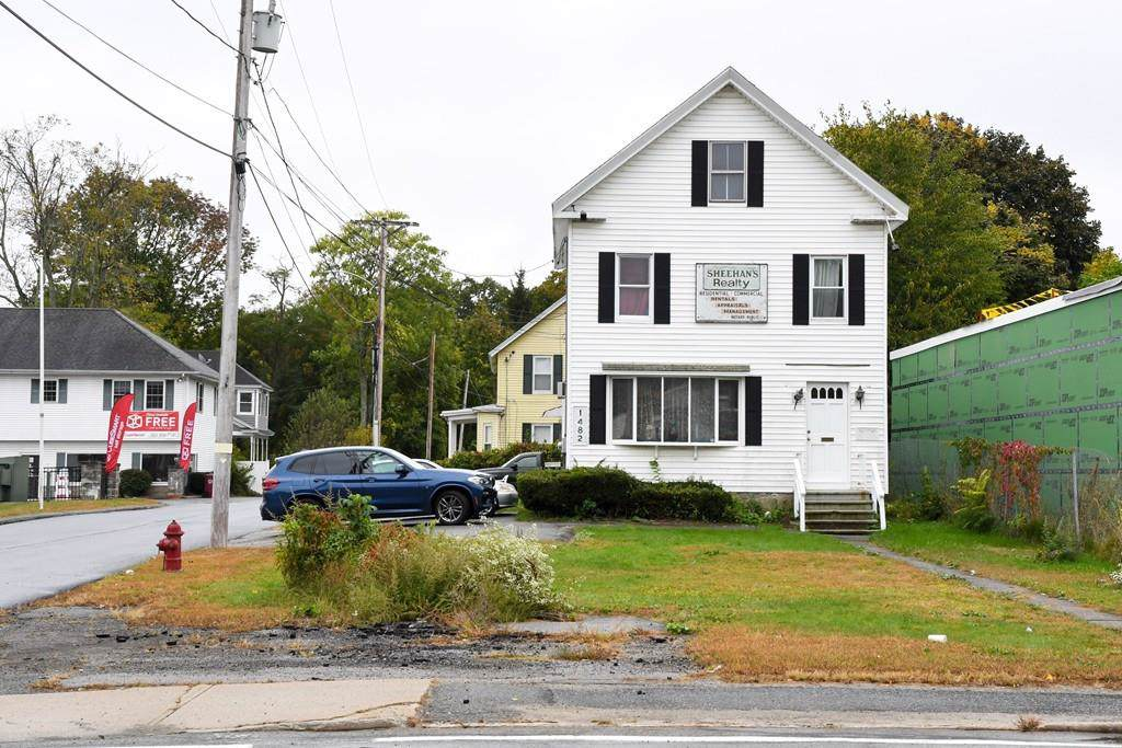1482 Middlesex St. - Photo 1